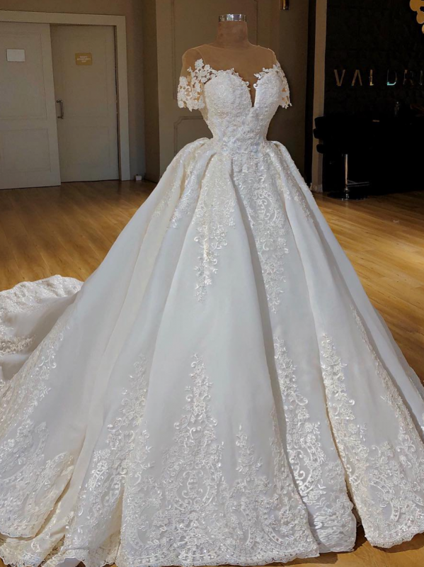 Elegant Lace Ball Gown Wedding Dresses Scoop Short Sleeves Long Bridal Gowns BC0814