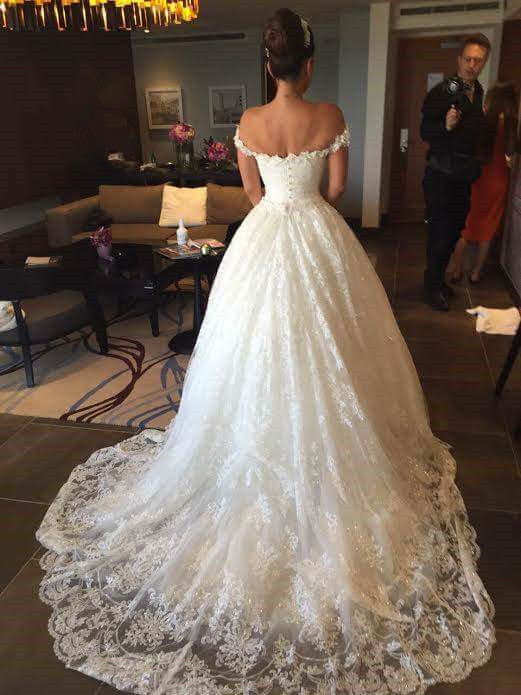 Glamorous Princess Sequined Tulle Wedding Dress 2020 Lace Appliques Off-the-shoulder JT120