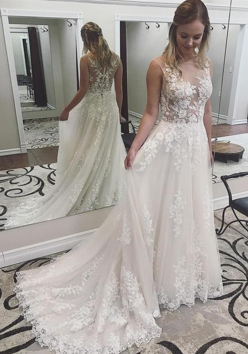 Beautiful Bateau Sleeveless Wedding Dress | Lace Appliques Court Train Bridal Gown