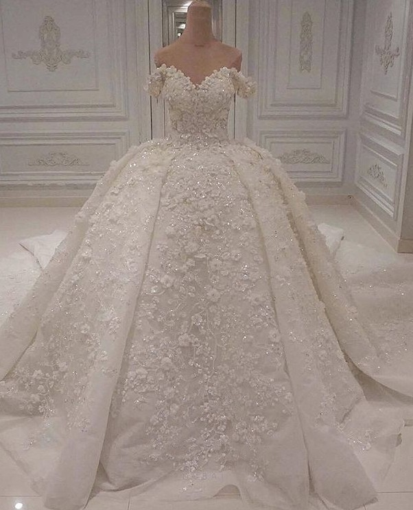 Charming Off-The-Shoulder Ball Gown Wedding Dress | 2020 Lace Appliques Bridal Gown On Sale BC1308