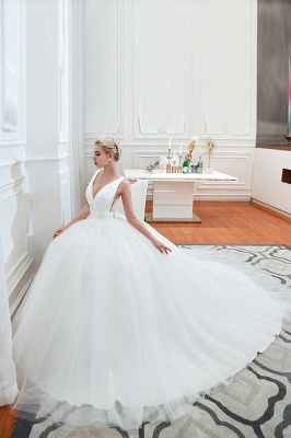 Sexy V-Neck White Princess Spring Wedding Dress Sleeveless Bridal Gowns with Belt_4