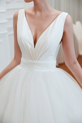 Sexy V-Neck White Princess Spring Wedding Dress Sleeveless Bridal Gowns with Belt_5