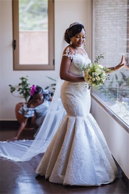 Glamorous Off-the-Shoulder Mermaid Lace Appliques Bridal Gown_1