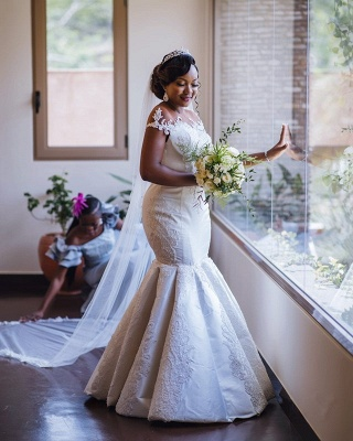 Glamorous Off-the-Shoulder Mermaid Lace Appliques Bridal Gown_3