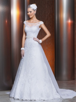 Gorgeous Scoop Lace Appliques A-Line Wedding Dress 2020 With Train_1