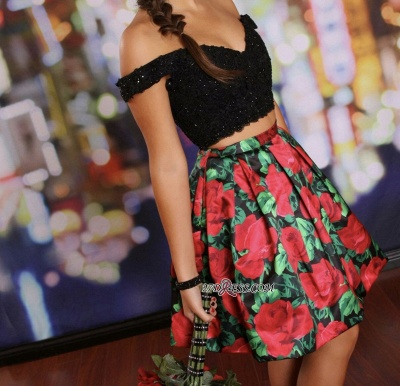 Floral Lace-Beaded Black Two-Piece Off-the-Shoulder Homecoming Dresses_2