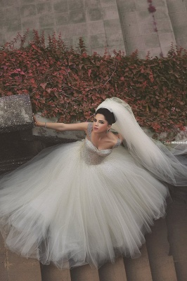 Elegant Off-shoulder Tulle Wedding Dress Ball Gown With Beadings_4