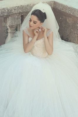 Elegant Off-shoulder Tulle Wedding Dress Ball Gown With Beadings_1
