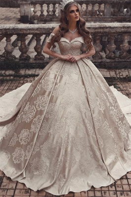 Elegant Off-The-Shoulder Sleeveless Bridal Gown | Strapless Ball-Gown Long Wedding Dress_4