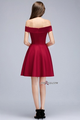Length Knee Sweetheart A-Line Off-the-Shoulder Homecoming Dresses_1