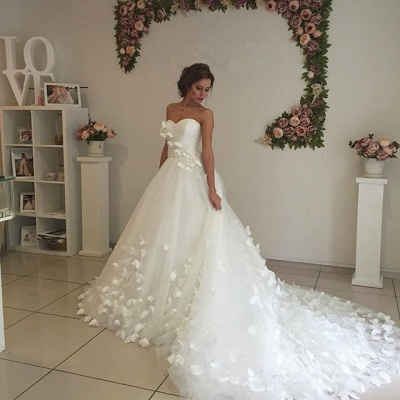Gorgeous Sweetheart Flowers 2020 Wedding Dress With Train Tulle_4