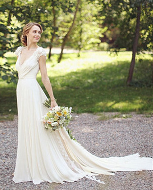Modern V-neck Chiffon Flowers Wedding Dress 2020 Sweep Train_2