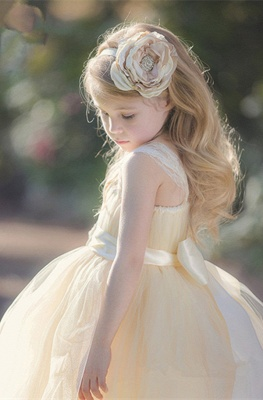 Lovely Sleeveless Tulle Girls Pageant Dress With Flower_3