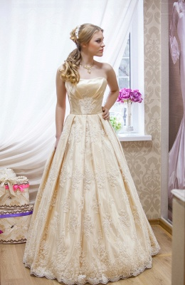 Glamorous Strapless Sleeveless Champagne Wedding Dress Floor-length With Appliques_1