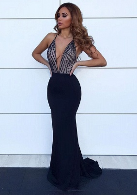 2020 Charming Deep V-Neck Mermaid Sleeveless Evening Gown | Black Halter Sweep Train Prom Dress_1