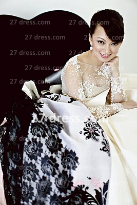 Elegant Lace Back Appliques A-Line Wedding Dresses Pearls Beaded Button Bridal Gown With Long Sleeves & Court Train_4