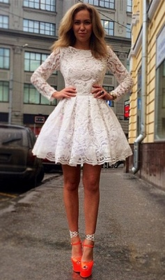 Elegant Long Sleeve Short Homecoming Dress With Lace_3