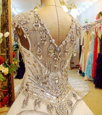 Luxurious White Crystal Ball Gown Wedding Dresses Court Train Foraml Sparkling Bridal Gowns with Beadings_4