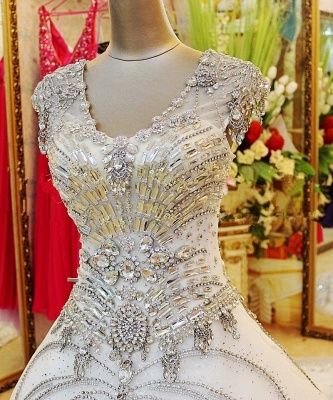 Luxurious White Crystal Ball Gown Wedding Dresses Court Train Foraml Sparkling Bridal Gowns with Beadings_5