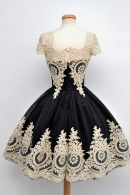 Gorgeous Black Cap Sleeve Homecoming Short With Lace Appliques_2