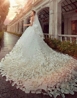 Glamorous Appliques Cystals Princess Wedding Dress 2020 Sweetheart With Long Train_1